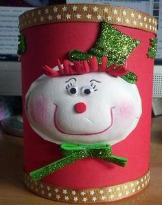 Bote reciclado decorado muñeco navideño