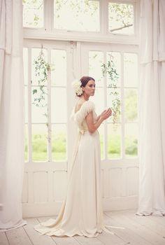 Sweet Violet Bride - http://sweetvioletbride.com/2013/07/elegant-barn-wedding-inspired-shoot-sarah-gawler-photography/