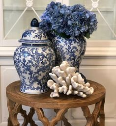 Beautiful interior styling featuring our blue and white Briardale ginger jars Hamptons Style Decor, The Hamptons, Blue Rooms, White Rooms, Arrow Decor, Blue And White Vase, Decorated Jars, Blue China, Ginger Jars