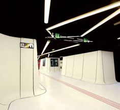 Metro Station that looks it's part of Star Wars. The Drassanes station in Barcelona, Spain. U Bahn Station, Train Station, Commercial Interior Design, Commercial Interiors, Futuristic Architecture, Architecture Design, Metro Station, Public Transport, Building Design