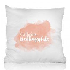 Personello Personalisierbares Kissen Lieblingsplatz | design3000.de Design3000, Shops, Tapestry, Throw Pillows, Diy, Home Decor, Cushion, Projects, Gifts