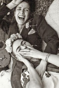 Chevala Vargas and Frida Kahlo by Tina Modotti