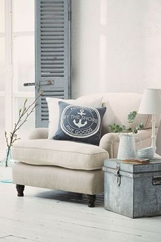17 Coastal Room Decoration Ideas https://www.futuristarchitecture.com/34290-coastal-room-decoration-ideas.html