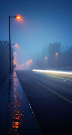 ideas street lighting rain for 2019 Iphone Wallpaper Landscape, City Wallpaper, Scenery Wallpaper, Nature Wallpaper, Background Images Wallpapers, Photo Backgrounds, Wallpaper Backgrounds, Night Photography, Landscape Photography