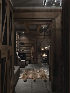 Love the idea of spending the winter in a cozy cabin Cabin Interiors, Rustic Interiors, Chalet Interior, Interior Design, Chalet Design, Interior Minimalista, Kabine, Log Cabin Homes, Cabins And Cottages