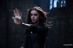 Clary in Chroniken der Unterwelt - City of Bones. Ab 29. August 2013 im Kino!