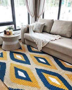 Crochet rugs and PDF crochet patterns by BelkinHome on Etsy Shag Carpet, Beige Carpet, Diy Carpet, Patterned Carpet, Crochet Home Decor, Diy Crochet, Crochet Rugs, Painting Carpet, Knit Rug