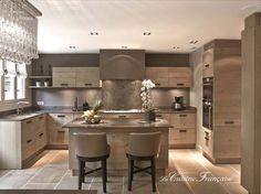 cocina de madera natural de lujo