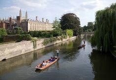 Quintessential British experiences: Punting in Cambridge!