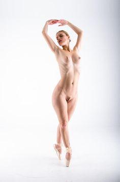 Gorgeous ballerinas - En Pointe by genecor