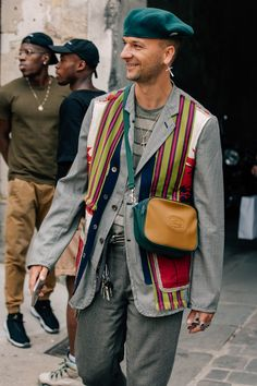 These are the best of the best looks catching our attention during Paris Fashion Week's Spring-Summer 2019 runway shows Cool Street Fashion, Paris Fashion, Retro Fashion, Mens Fashion, Future Clothes, Parisian Style, Stylish Men, Daily Fashion, Street Wear
