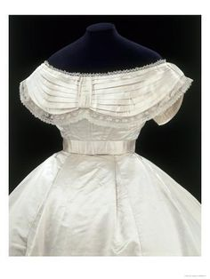 Wedding dress Place of origin:Massachusetts (made) October 3 1867 (worn)Artist/Maker:Unknown (production)Materials and Techniques:Silk satin, needle lace, cotton and whalebone strips Antique Clothing, Historical Clothing, Historical Dress, Historical Costume, Moda Fashion, Fashion Models, Fashion Fashion, Vintage Gowns, Vintage Outfits