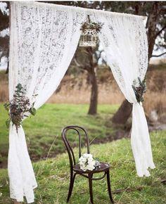 Make a simple entrance or photobooth backdrop with lace curtains. Make a simple entrance or photobooth backdrop with lace curtains. Chic Wedding, Trendy Wedding, Unique Weddings, Dream Wedding, Outdoor Weddings, Rustic Weddings, Wedding Rustic, Wedding Vintage, Wedding Simple