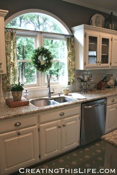 example of kitchen window.Kitchen No Sew Cafe Curtains Kitchen Redo, Kitchen Pantry, Home Decor Kitchen, Country Kitchen, New Kitchen, Kitchen Remodel, Kitchen Dining, Kitchen Flooring, Kitchen Ideas