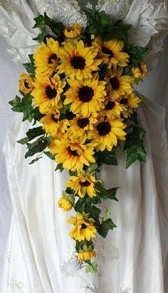 Romantic Wedding Colors, Diy Wedding Flowers, Wedding Bouquets, Wedding Ideas, Sunflower Decorations, Wedding Decorations, Silk Bridal Bouquet, Wedding Consultant, Sunflower Pattern