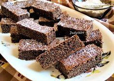 Pehelykönnyű, lisztmentes, bögrés-mákos szelet | Jucus receptje - Cookpad receptek Sweet Cakes, Sweets, Cookies, Cream, Recipes, Tej, Food, Poppy, Crack Crackers