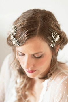 Flower and Pearl Bridal Hair Comb Set of 2