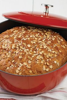 No-Knead Oat Bread Recipe Plan ahead for this easy bread; an overnight or all-day rise gives it terrific flavor. No-Knead Oat Bread Recipe Plan ahead for this easy bread; an overnight or all-day rise gives it terrific flavor. Dutch Oven Bread, Pan Sin Gluten, Oatmeal Bread, Pan Integral, King Arthur Flour, Bread Recipe King Arthur, Scones, No Knead Bread, Easy Bread