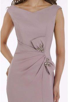 Elegant Dresses For Women, Pretty Dresses, Beautiful Dresses, Mother Of Bride Outfits, Trumpet Dress, Slit Dress, Peplum Dress, Fashion Sewing, Classy Dress
