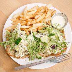 Try the frisad chicken salad at Van Gogh's eeterie in Springfield, MO. Best Dishes, Taste Buds, Chicken Salad, Missouri, Rave, Cabbage, Restaurants, Yummy Food, Meals