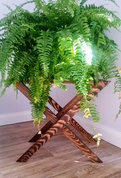 wooden plant stand or little table, diy