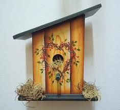 Resultado de imagen para casa de passarinho em pintura country Bird Houses Painted, Bird Houses Diy, Wooden Crafts, Diy And Crafts, Popsicle Stick Houses, Birdhouse Designs, Country Paintings, Tole Painting, Painting Flowers
