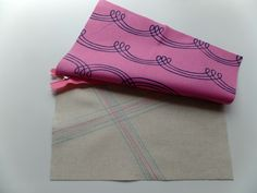 A Quilter's Table: 6 Tips for Making Zipper Pouches Easier and Neater