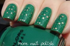 The electronics tech in me must have this! Circuit board nail art