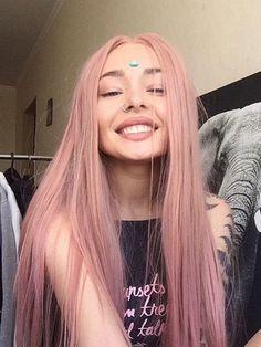 Pink Hair Streaks, Pink Hair Highlights, Pink Ombre Hair, Pastel Pink Hair, Hair Color Purple, Hair Dye Colors, Pink Wig, Dyed Hair Pink, Baby Pink Hair