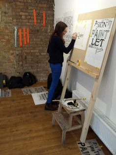 http://londonsignwriter.wordpress.com/london-sign-painter-workshops-with-ngs/