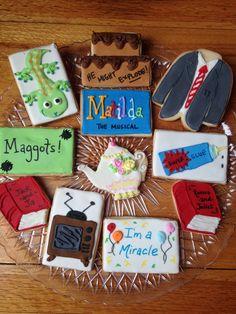 Kelly's Matilda The Musical cookies Matilda The Musical Cast, Matilda Cast, Matilda Broadway, Cut Out Cookies, Sugar Cookies, Matilda Quotes, Broadway Wedding, Matilda Roald Dahl, Cookie Designs