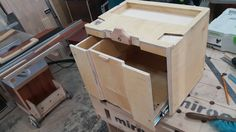 It is a wooden systainer with the front side opening Festool Systainer, Workshop Storage, Garage Workshop, Tool Box Cabinet, Mobile Tool Box, Diy Shops, Shop Organization, Woodworking Skills, Wood Storage