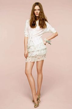 See the complete Nina Ricci Resort 2011 collection.