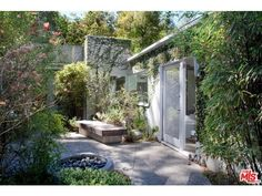 The actor and his wife, Amanda Anka, just put their mid-century modern Hollywood Hills house on the market and it's beautiful! We particularly love his garden, and think we could spend a fair few hours drinking coffee and listening to the birds sing out there. There's even a koi pond on the property to give the estate an aquatic element.  Photo:  The MLS