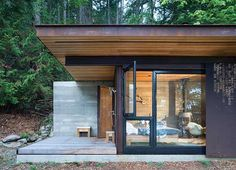 On Salt Spring Island in British Columbia lies a tiny one-room cabin, a finely detailed retreat from Seattle-based Olson Kundig Architects. Its sleek desig Architecture Design, Green Architecture, Sustainable Architecture, Sustainable Design, Residential Architecture, Sustainable Living, Cabin Design, Tiny House Design, One Room Cabins