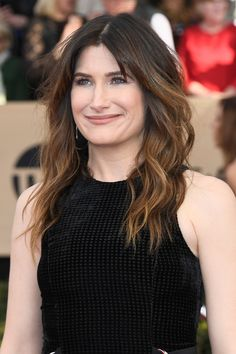 Kathryn Hahn at the 2017 Screen Actors Guild Awards. Kathryn Hahn, Sag Awards, Awards 2017, Beautiful People, Beautiful Women, 61 Kg, Marvel Women, Height And Weight, Girl Humor