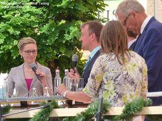 Moderation beim Bürgerfest: Talkrunde mit Moderatorin Jeannine Tieling. Juni 2015. #Niederbayern