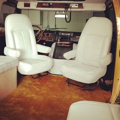 Boogie Van, vintage van, pivot captains chairs