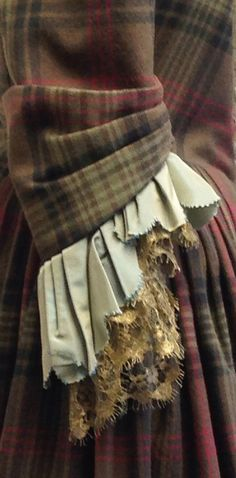 """sleeve detail - Claire's dress Outlander """"The Gathering"""" costumer designer Terry Dresbach"""