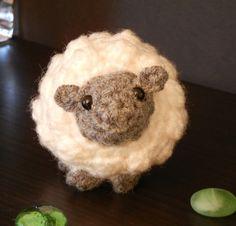 Crochet Pattern Amigurumi Sheep Little Sheepy Who door Yarnington