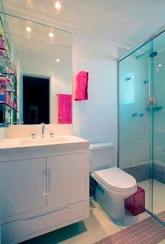 interiores Bathroom Furniture, Big Bathrooms, Small Bathroom Renovation, Apartment Deco, Bedroom Table, Small Apartment Design, Bathroom Design, Bathroom Decor, Bathroom Renovation