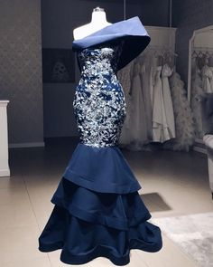 Dinner gowns - your Christmas The most beautiful dresses – Dinner gowns African Print Fashion, African Fashion Dresses, Gala Dresses, Couture Dresses, Dinner Gowns, Evening Dresses, Most Beautiful Dresses, Elegant Dresses, African Attire
