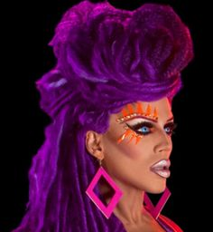 I live! Drag Queen Yara Sofia from Rupaul Allstars DragRace decked in purple!