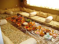 Kurdistan — A traditional Kurdish Dining Room Decor Home Living Room, Home And Living, Living Room Designs, Home Decor, Kurdish Food, Ramadan Decorations, Floor Seating, Kurdistan, Food Platters