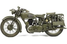 Antique Motorcycles, British Motorcycles, Cars And Motorcycles, Triumph Motorcycles, Custom Motorcycles, Norton Motorcycle, Motorcycle Touring, Classic Motorcycle, Girl Motorcycle