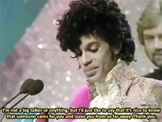 Prince @ The Brit Awards 1985 (Best International Artist/Group) Prince Gifs, My Prince, Youre All I Want, High School Memories, Rain Photo, Prince Purple Rain, Dearly Beloved, Roger Nelson, Prince Rogers Nelson