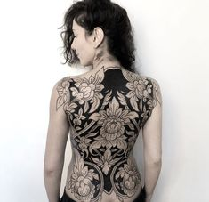 Tattoos, awesome tattoos, back tattoo women full, full back tattoos, full b Back Tattoo Women Full, Full Back Tattoos, Sexy Tattoos, Black Tattoos, Sleeve Tattoos, Feminine Back Tattoos, Tatoos, Floral Back Tattoos, Cross Tattoos