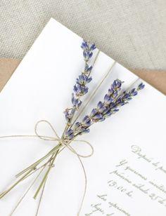 Si sois una pareja clásica pero os gusta el buen diseño, al fin tenemos la colección de invitaciones perfectas para vuestra boda, una combinación infalible entre tipografías actuales y la invitación de boda de toda la vida. Puedes elegir desde la invitación más el sobre o puedes hacerla todo lo especial que quieras.    PRECIOS    50 invitaciones - 6,40€ /ud. 75 invitaciones -5,00 € /ud. 100invitaciones - 4,20 € /ud. 125invitaciones -3,85 € /ud. 150invitaciones -3,50...