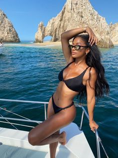 Wear our flattering two-piece bikinis in different colors and cuts. Whether you like to show off your beautiful body or prefer some extra coverage: we have your bikini essentials! Black Bikini, Sexy Bikini, Bikini Girls, Girls In Bikinis, Bikini Beach, Black Girl Aesthetic, Summer Aesthetic, Summer Girls, Summer Pictures