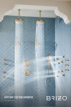 Lavish details combine with indulgent flow patterns to create an unparalleled luxury shower experience. Dream Bathrooms, Beautiful Bathrooms, Small Room Bedroom, Bedroom Decor, Luxury Shower, Custom Shower, Home Improvement Projects, Decoration, Interior Design Living Room